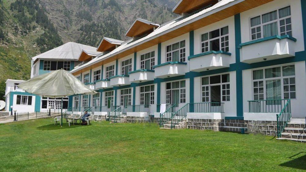 pine-hotel-naran
